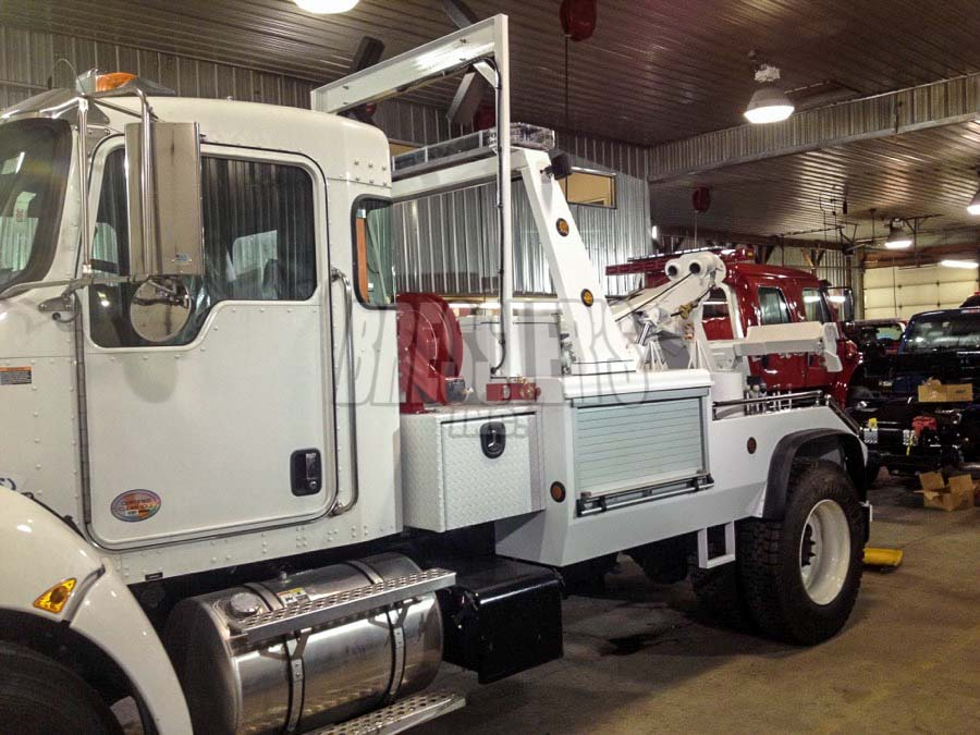 Freightliner Medium Duty Wrecker for Bridge and Tunnel