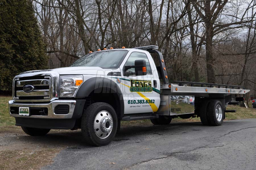 Ford F-550 with Vulcan Rollback