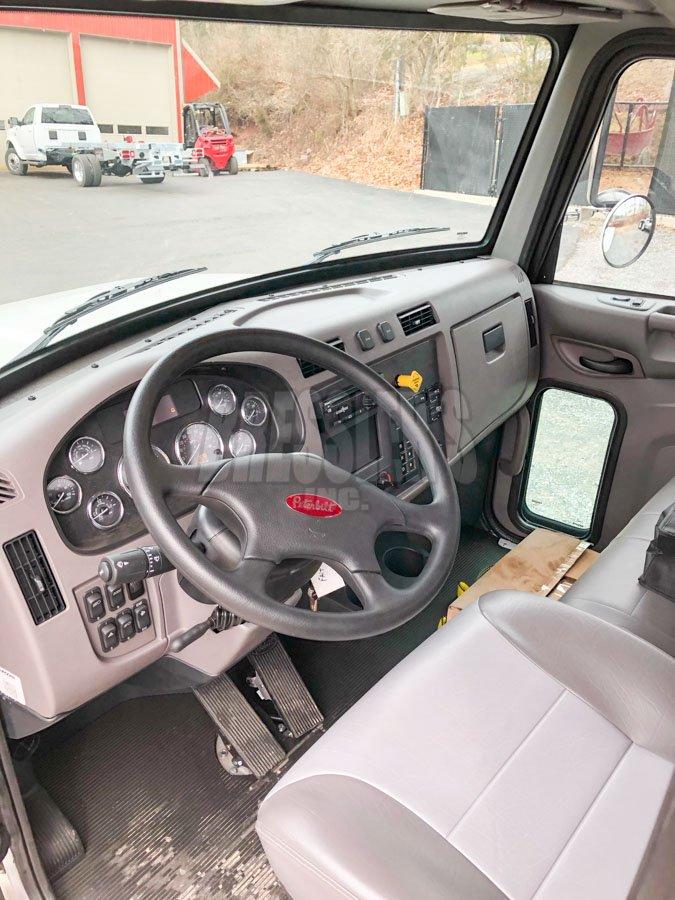 2021 Peterbilt 337 interior