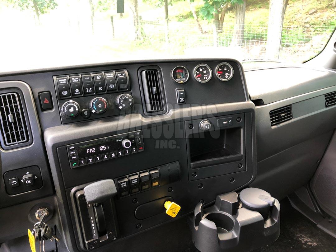 2021 International MV Extended Cab Rollback - Century LCG 12